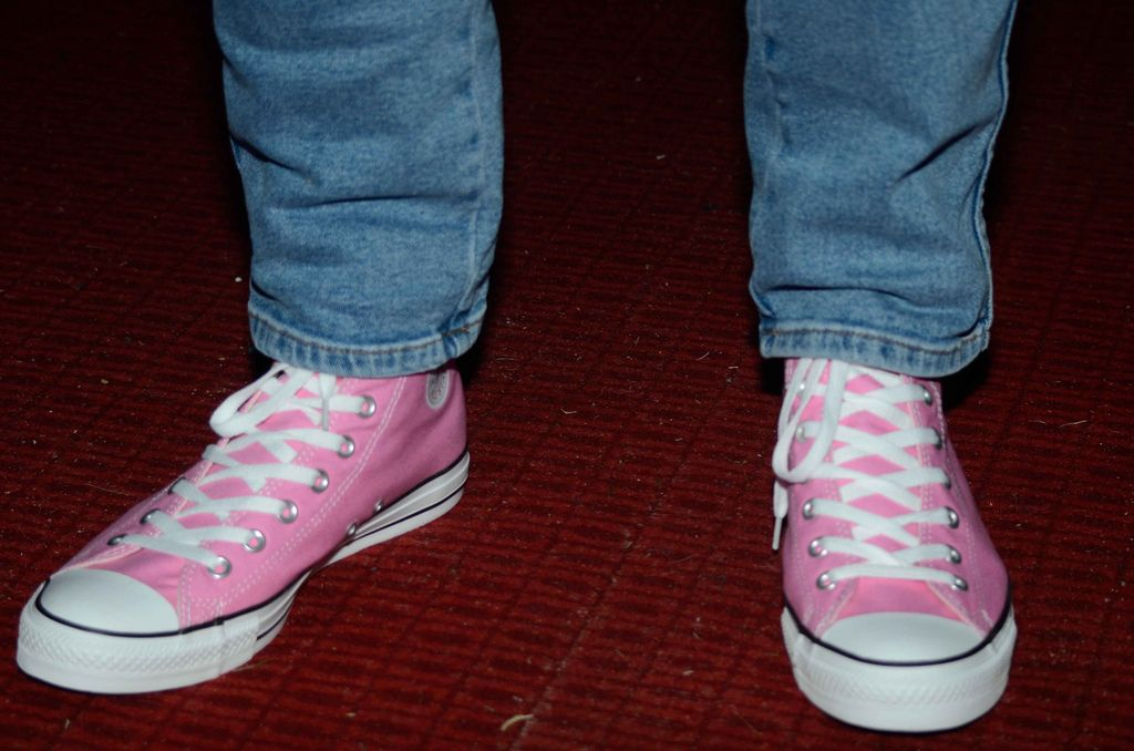 Pink converse, Wear pink, How to wear