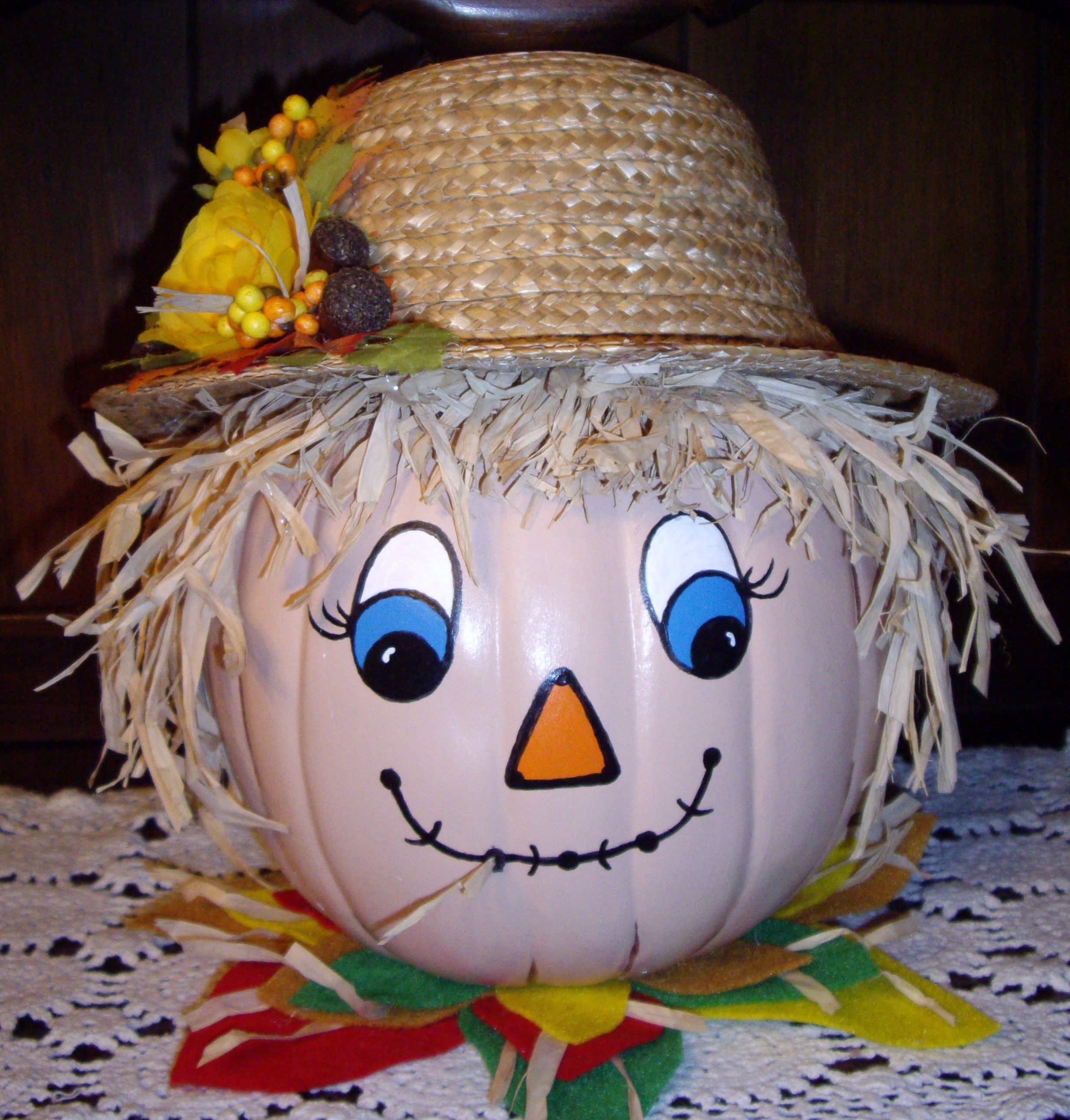 Pumpkin painted Scarecrow, totally need to do pumpkin painting ...