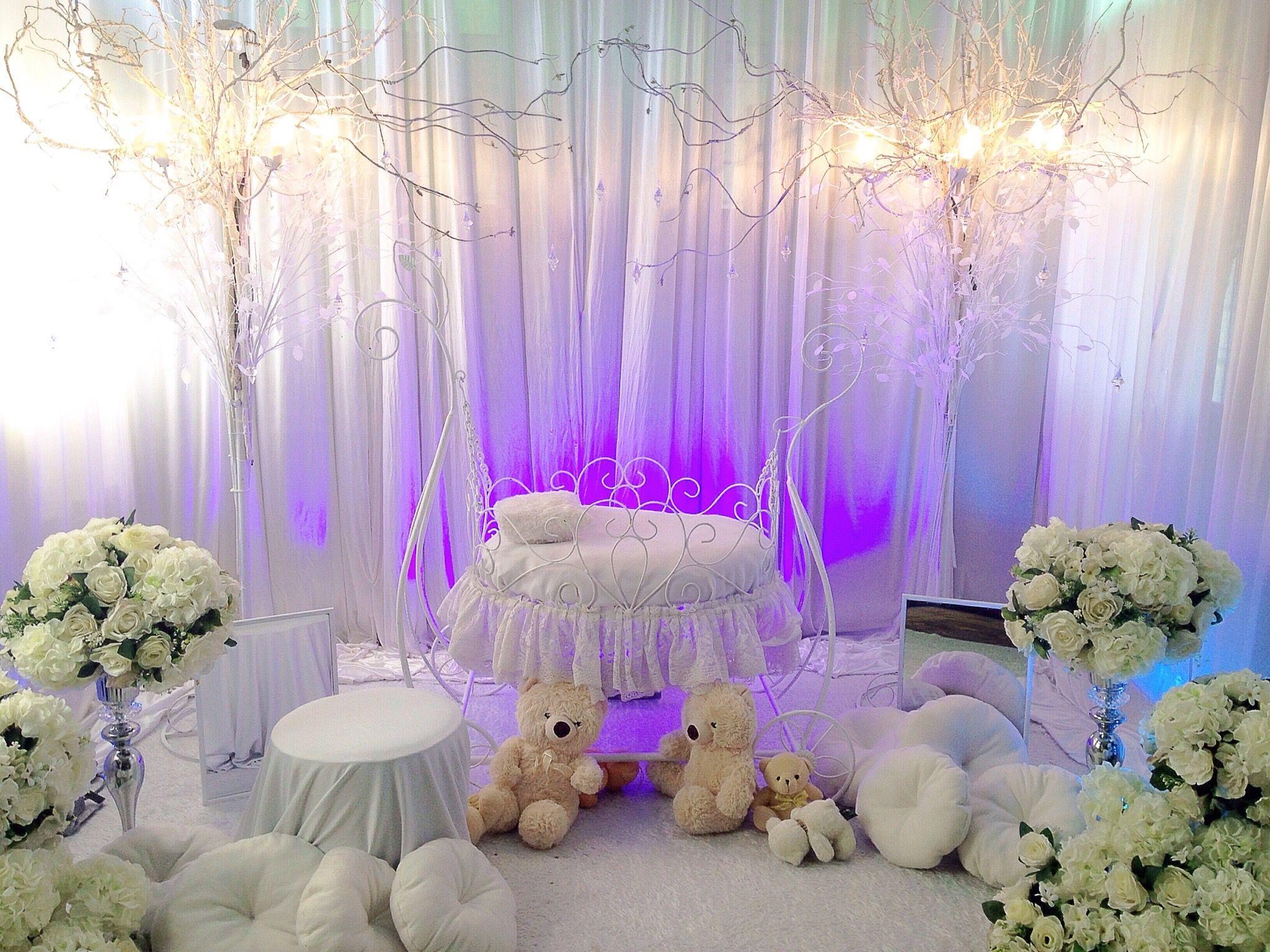 Pelamin buaian berendoi majlis aqiqah theme of white for Idea doorgift untuk aqiqah