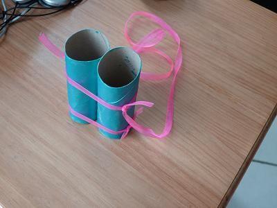 tuto r aliser des jumelles avec des rouleaux de papier toilette tuto jumelle bricolage. Black Bedroom Furniture Sets. Home Design Ideas