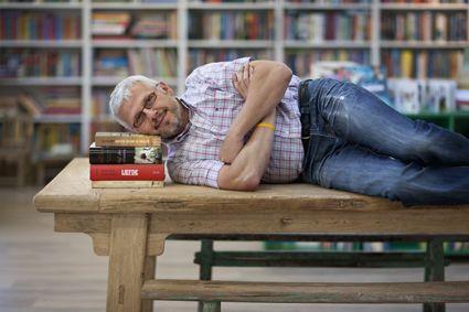 Portret boekenwinkel Theorie voor slaapmagazine 'De Nachtwacht'