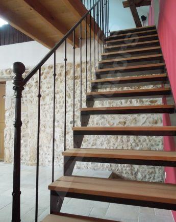 Photo Dt102 Esca Droit Bistrot Sans Contremarche Escalier Interieur Droit En Metal Et Bois Pour Une Decora Escalier Renovation Escalier Bois Escalier Droit