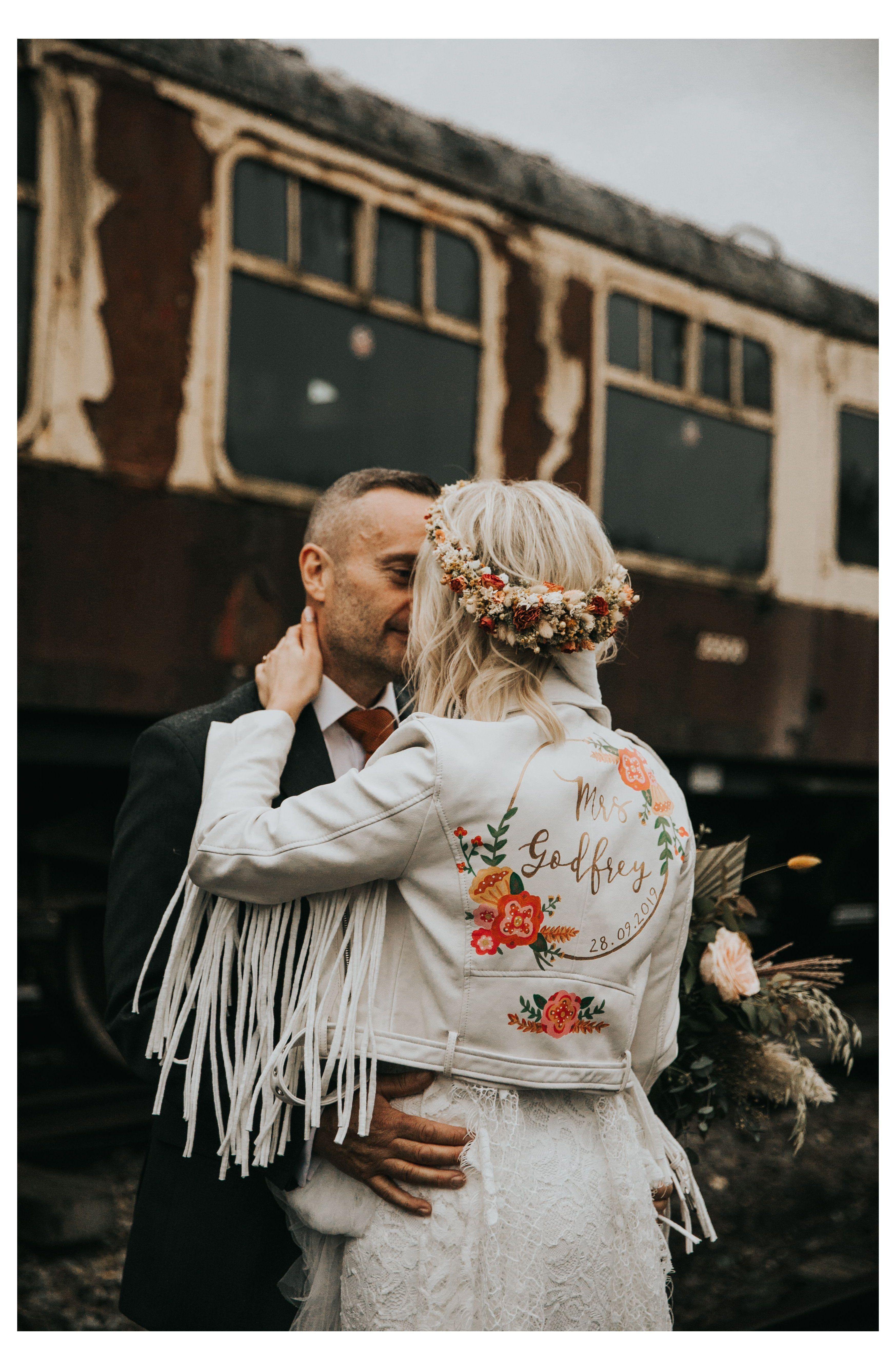 Painted Customised Bride Mrs White Leather Fringed Jacket A Great Wedding Idea For A Boho Bride Fringe Ja Leather Jacket Wedding Retro Wedding Bride Jacket [ 5342 x 3494 Pixel ]