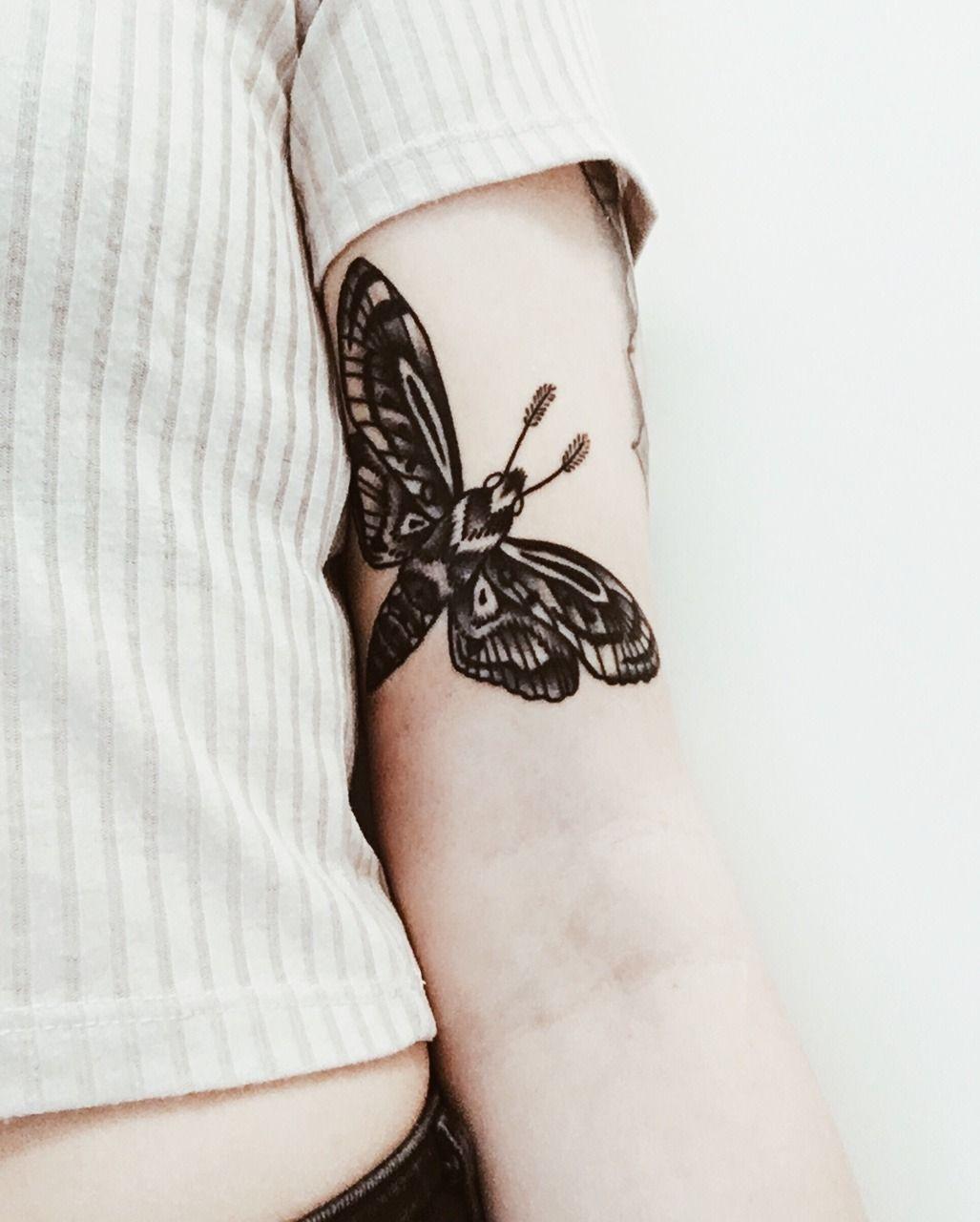 Pin Von Celina Paganal Auf Tattoos Motten Tattoo Tatowierungen Tattoo Ideen