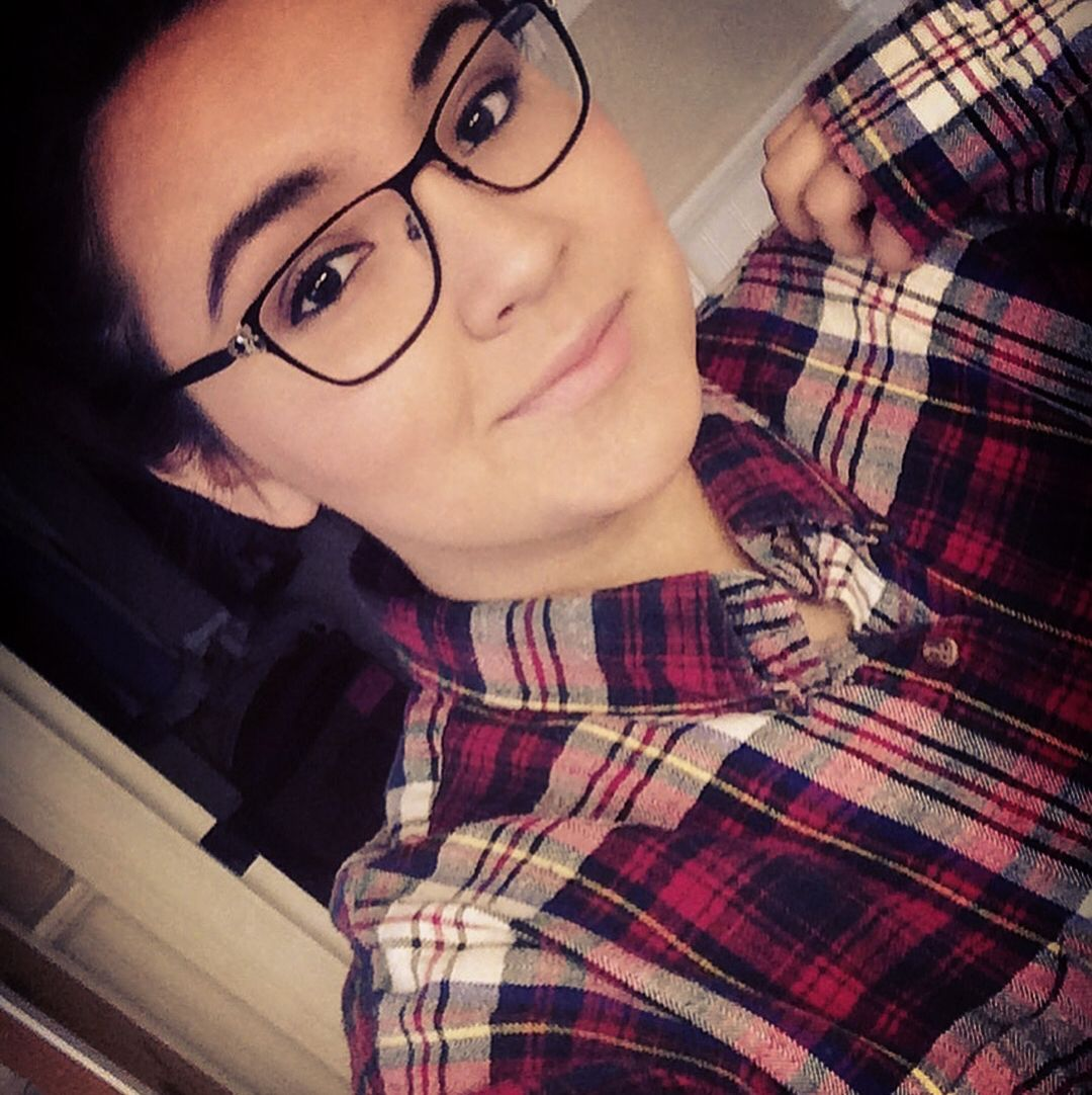 Flannel fashion makeup  and so this is Christmas  selfie girlswithglasses christmas