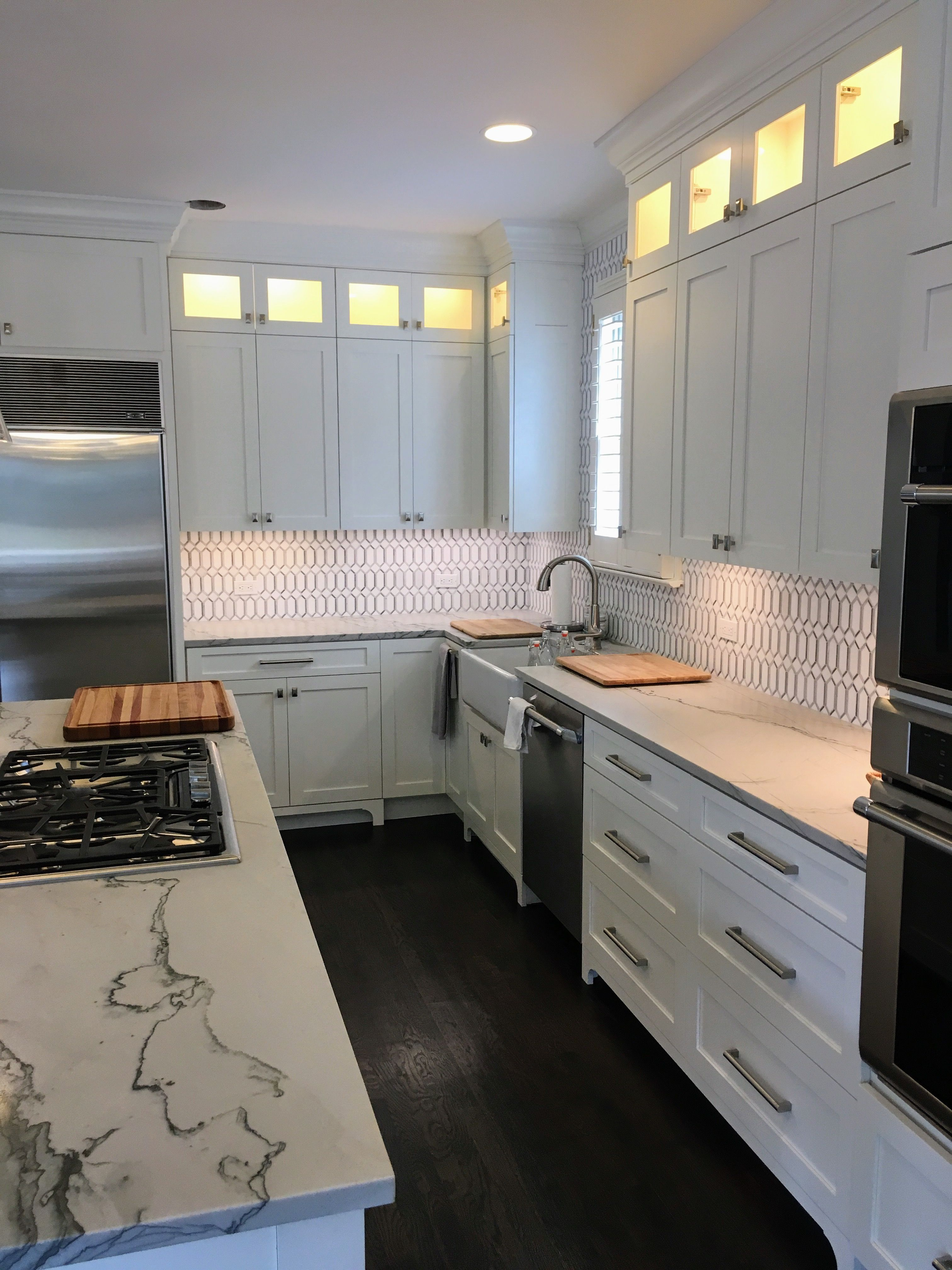 Finished Kitchen Shaker Style Full Overlay Benjamin Moore White Dove Lacquer Island W Used Kitchen Cabinets White Kitchen Cabinets Diy Kitchen Design Small