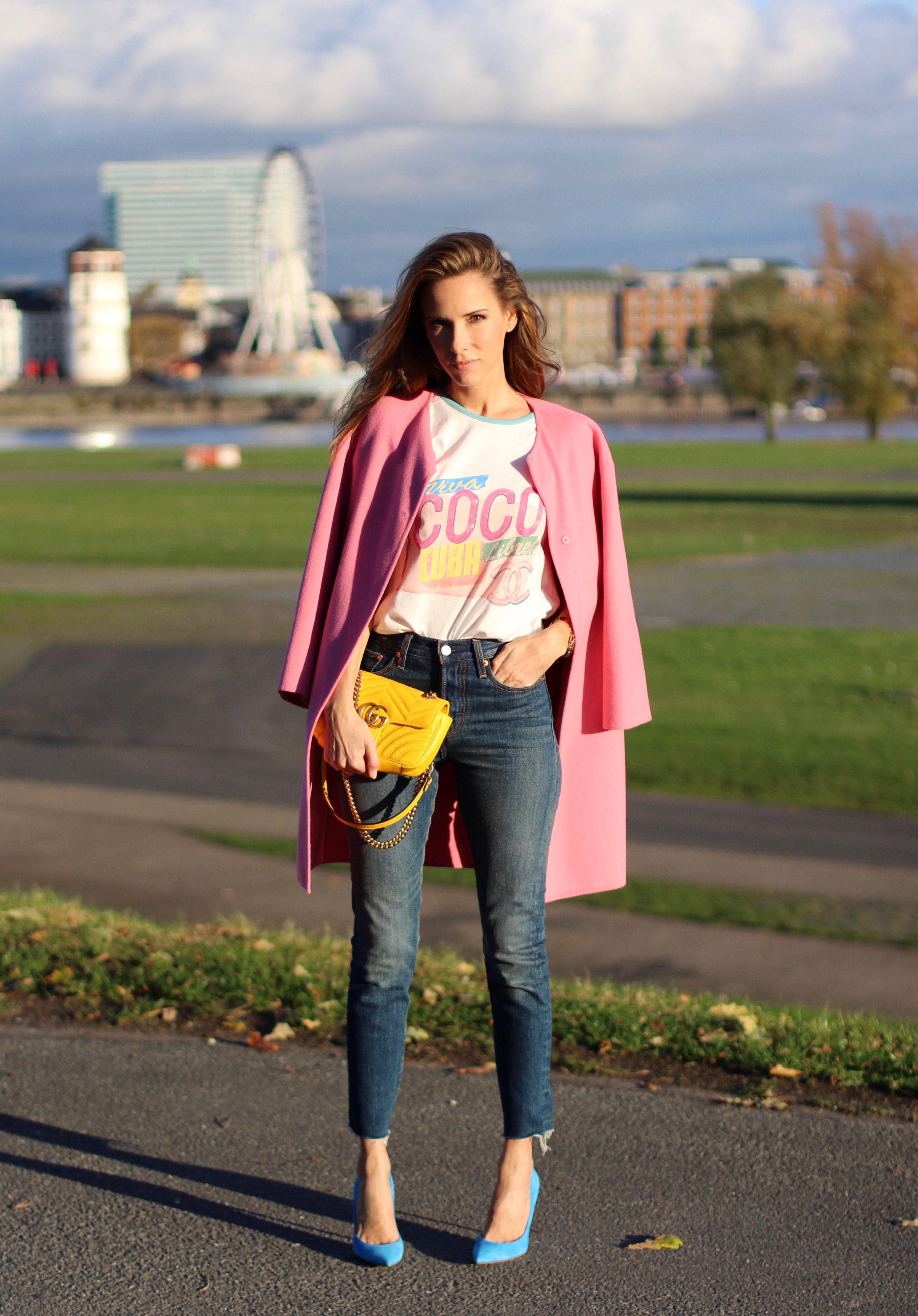cbe5cca1 DÜSSELDORF; GERMANY - DEZEMBER : German model and fashion blogger Alexandra  Lapp (@alexandralapp_) wearing a Coco Cuba T-shirt from Chanel, high waist  denim ...