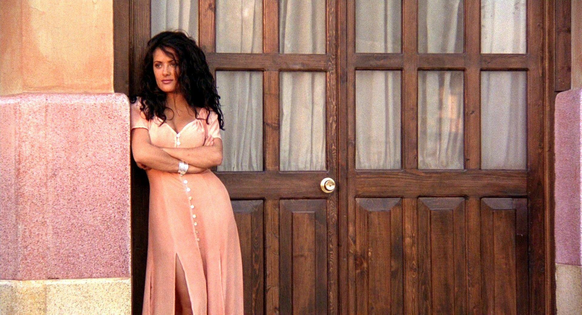 Pin By Michael Reinert On Selma Hayek Salma Hayek Salma Hayek Desperado Maxi Dress