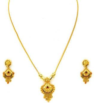 578ff06b37f 25 Simple and Latest Gold Necklace Designs for Women | necklace ...