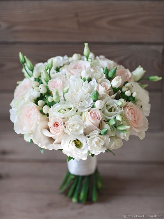 100 Wedding Bouquet For Brides Ideas 57 #fantasticweddingbouquets