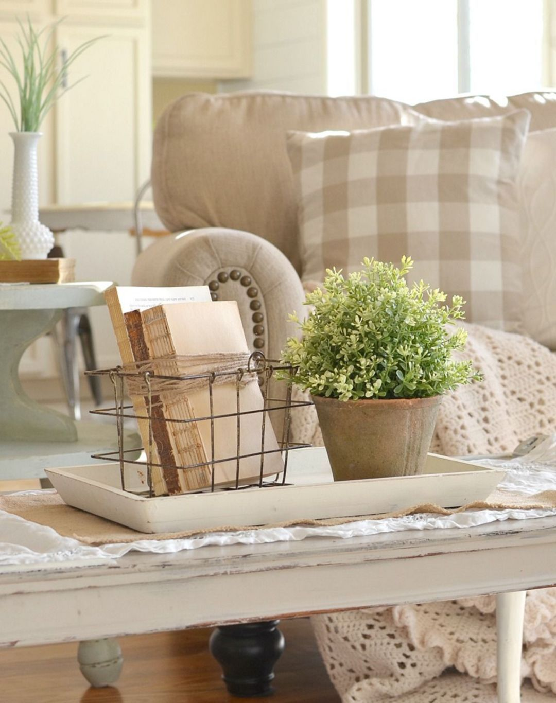 25+ Great Farmhouse Coffee Table Design and Decor Ideas | Design ...