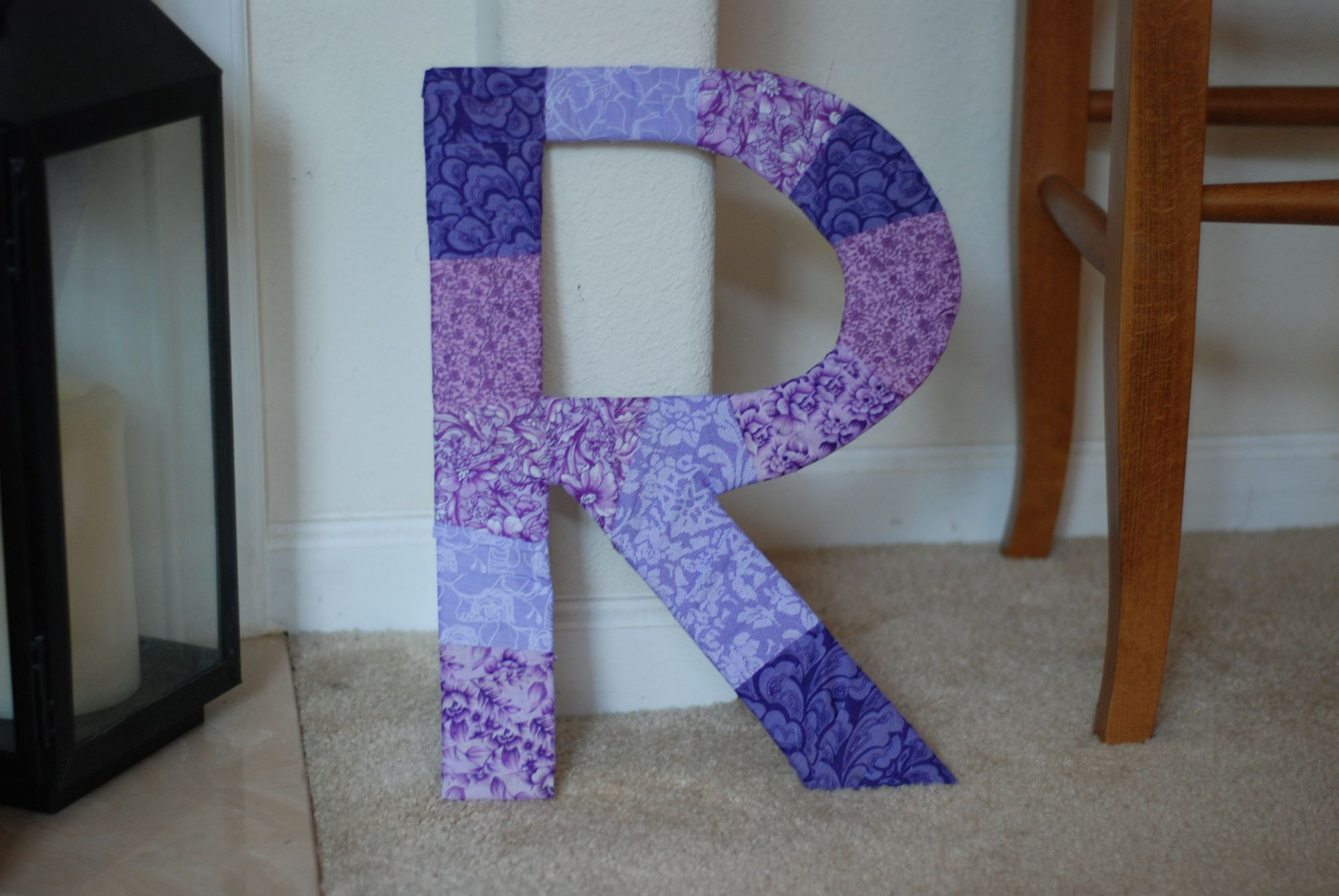 how to cover cardboard letters with fabric - diy fabric covered letter from cardboard diy