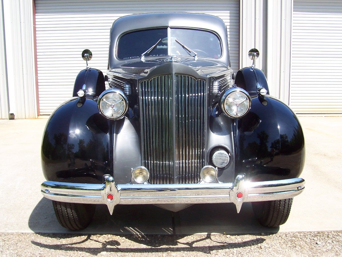 1939 Packard 1701-A Limousine-Style Hearse by Henney motor co.