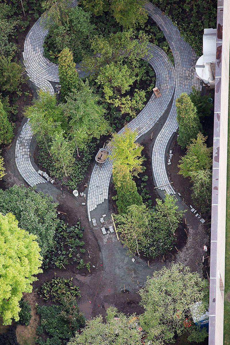 N monk 39 s garden p isabella stewart gardner museum boston for Gardner landscaping