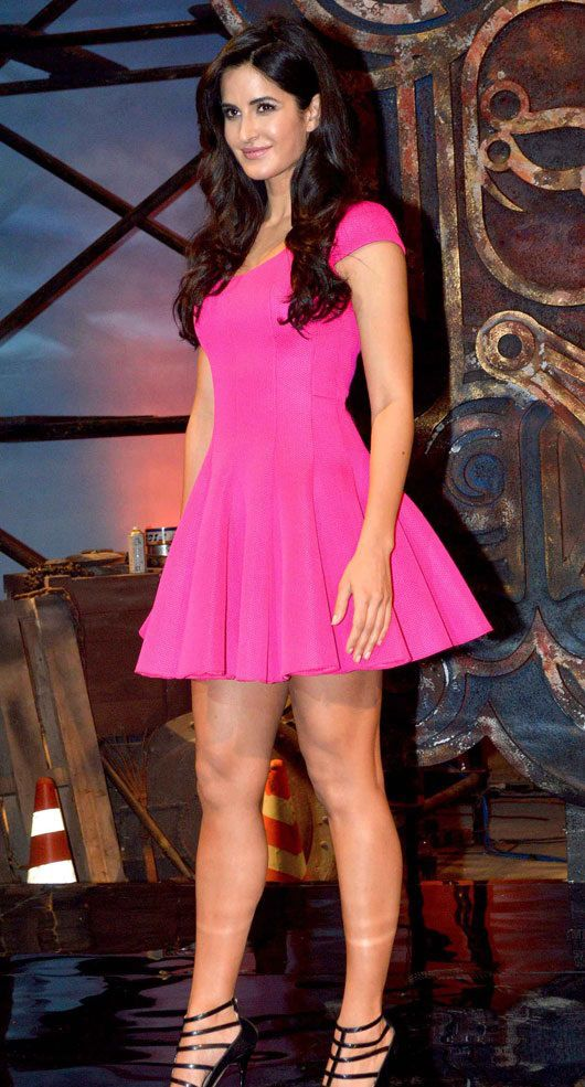 Katrina Kaif Height Weight Body Measurements And Wikis Katrina Kaif Celebrity Outfits Katrina Kaif Hot Pics