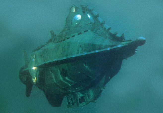 Mobilis Paris ~ Marine salvage submarine yacht http: yook3.com wilfried ellmer