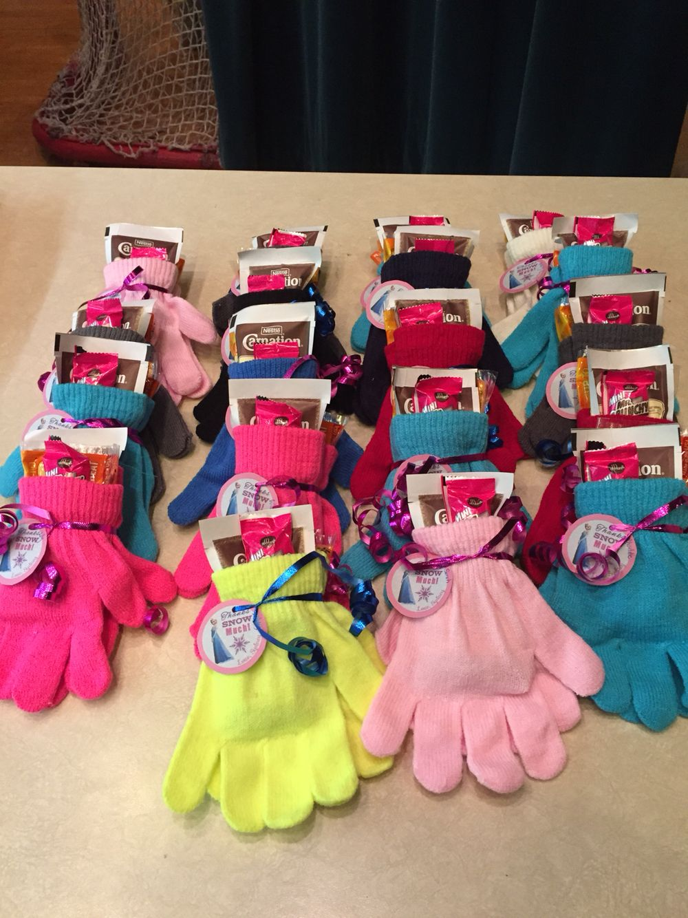 Frozen loot bags! Dollar store gloves, hot chocolate, and ...