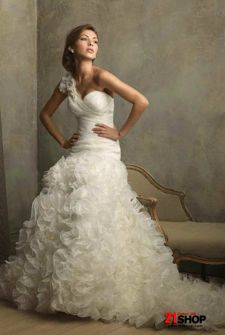 These ivory one shoulder ruffles floral ball gown vintage wedding