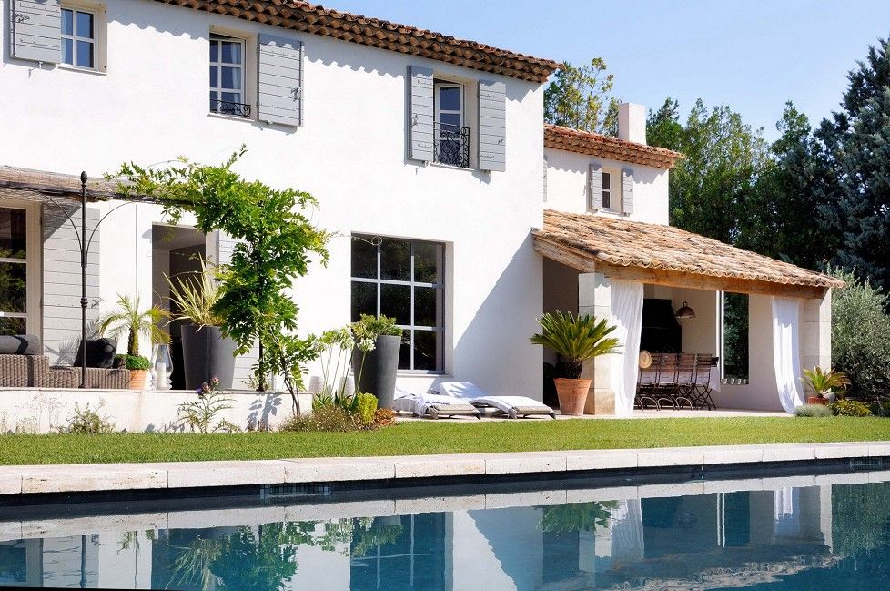 A Louer Location Estivale Le Mas Des Oliviers Entre Aix En Provence Et Le Luberon Emile Garcin Aix En Prov Facade Maison Belle Maison Maison De Vacances