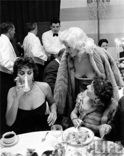 JAYNE MANSFIELD SOPHIA LOREN AT PARAMOUNT PARTY APRIL 1957 PUBLICITY COLOR PHOTO
