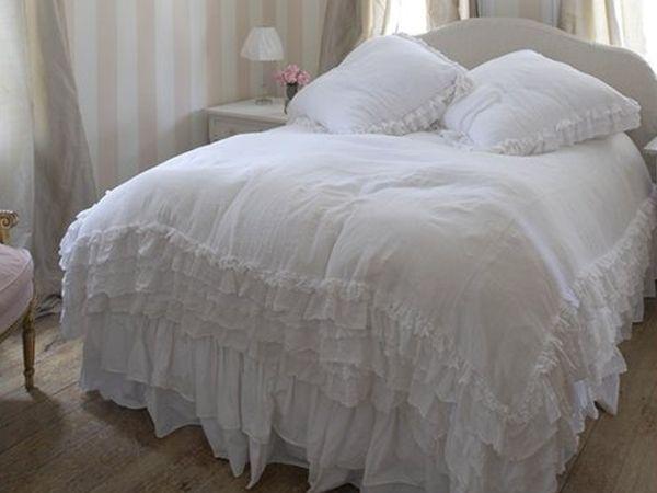Una camera da letto in stile shabby chic non può non avere biancheria da letto ricercata. Pin Su Tendenze Arredamento Home Forniture Trends