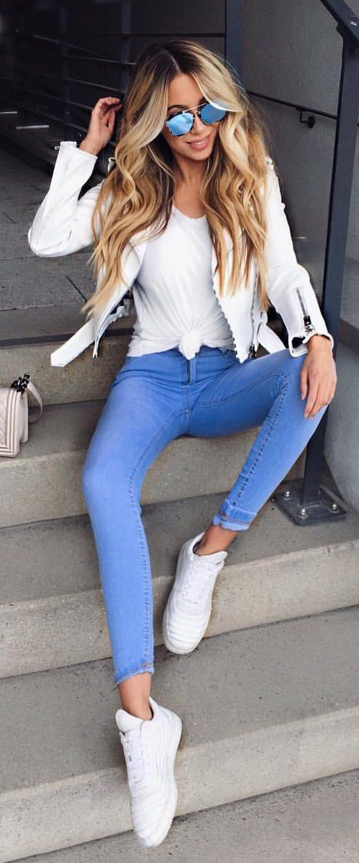 9ffd34be684  spring  outfits White Blazer + White Top + Blue Skinny Jeans + White  Sneakers💙