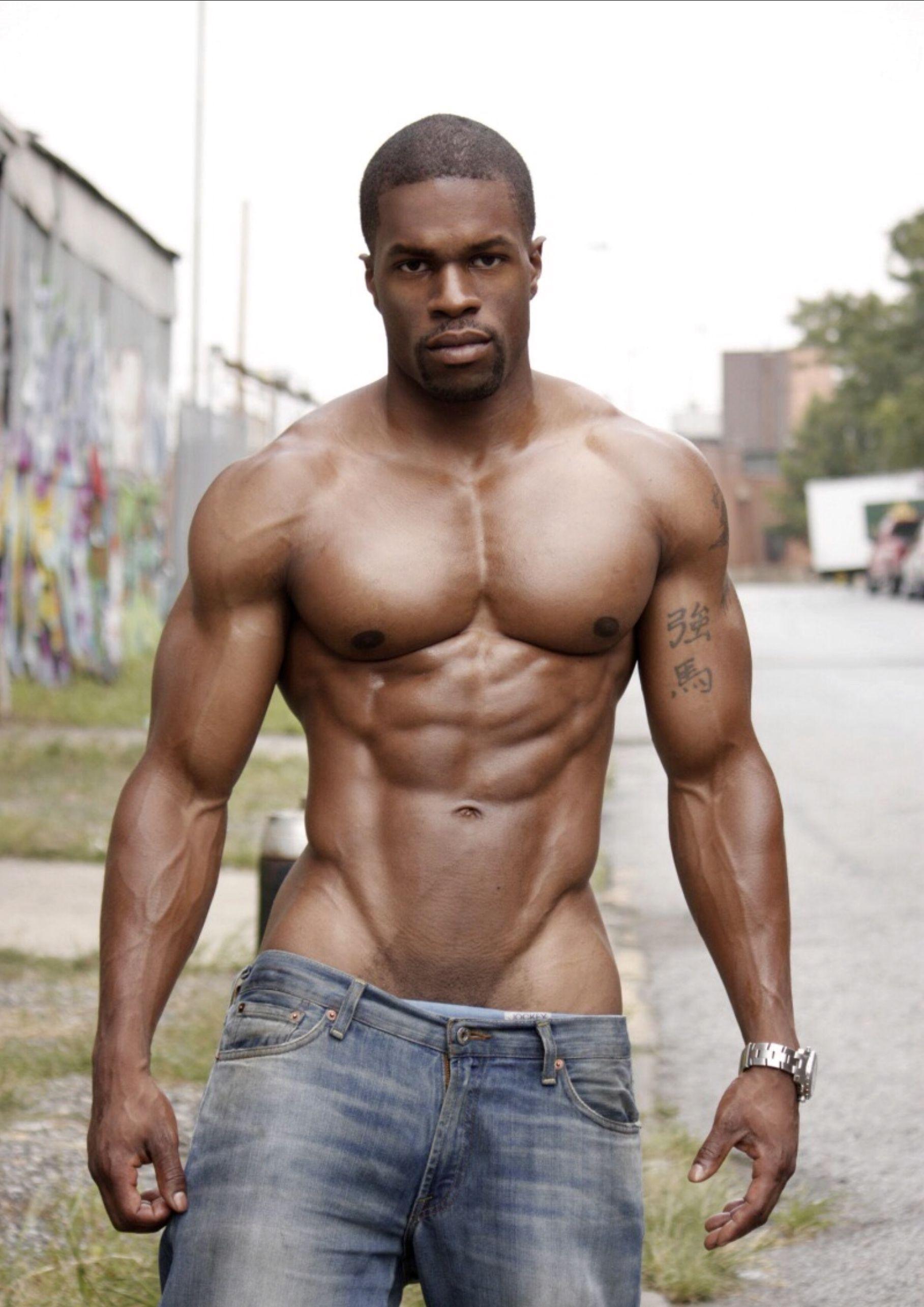svart mann spiser svart kvinne fitte