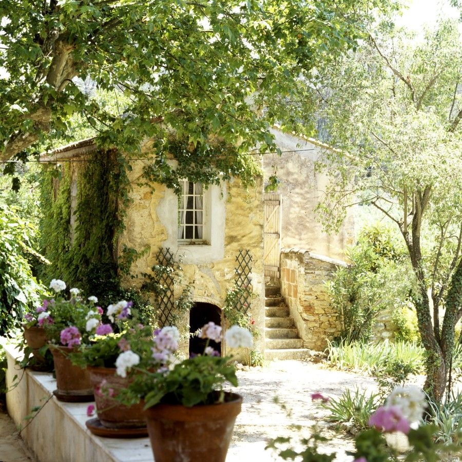 Provenza all things provencal french country cottage for Interni case francesi