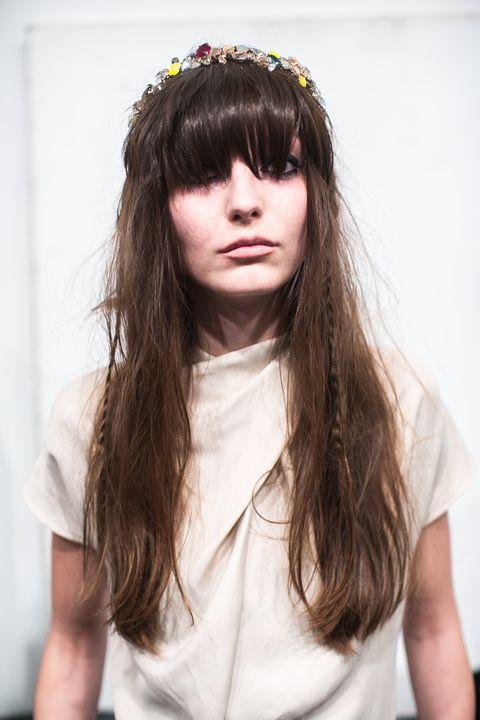 Frisuren für dicke Haare - Schnitte, Styling und viel