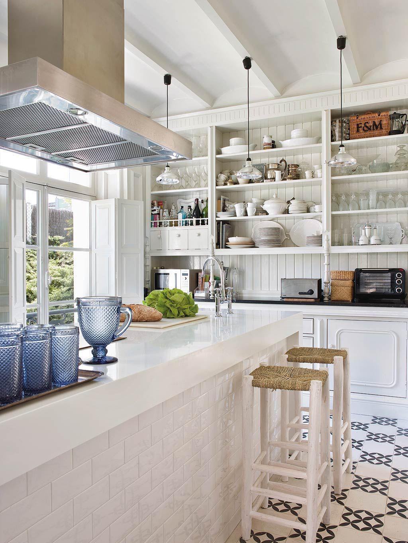 7 Hallmarks For A Fresh And Modern British Colonial Decor British Colonial Decor Colonial Decor Kitchen Design