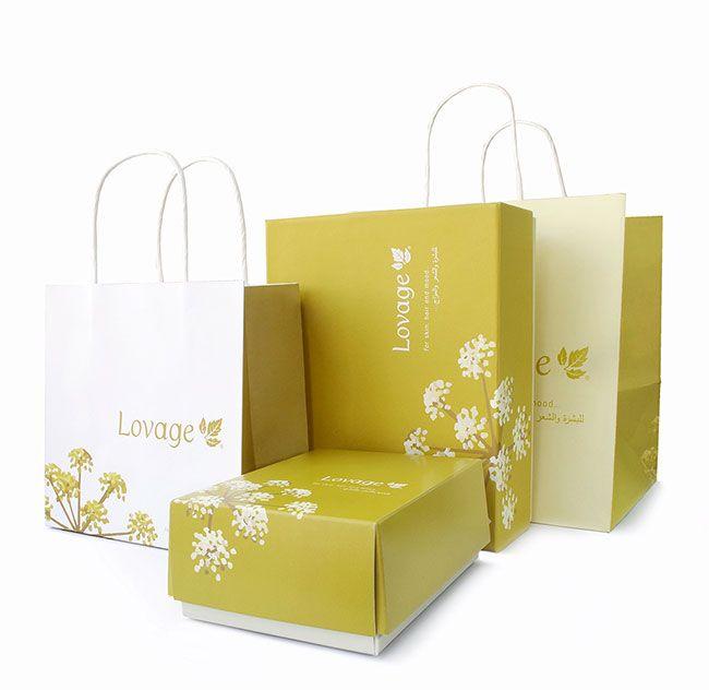 Opt for an elegant gift box and bag that has a soft natural touch. Big or small, Lovage gift set is your ultimate choice. Share the love with style! تقدم لكم لوفاج علب هدايا وأكياس أنيقة ذات ملمس ناعم وطبيعي تتوافق مع احتياجاتكم سواء كانت كبيرة ام صغيرة، لديكم خيار الهدية الأجمل من مجموعة واسعة ومتنوعة. شاركوا أحبائكم الفرحة بهدايا أنيقة #lovage #naturaltouch #giftset #giftbox #giftbag #gift #celebrate #holiday #sharethelove #لوفاج #هدية #علب #اكياس_هدايا #مشاركة_الاحبة