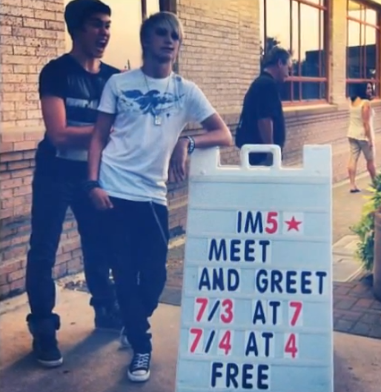FREE MEET AND GREET?! WHERE WAS THIS WHEN I DISCOVERED THEM?!