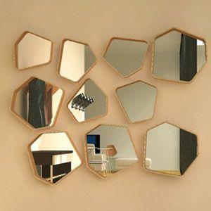Miroirs multi formes en bois la nomade du design miroir for Miroir forme maison