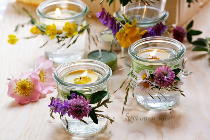diy windlichter im einweckglas mit blumenkranz hochzeit blumen deko pinterest glas. Black Bedroom Furniture Sets. Home Design Ideas