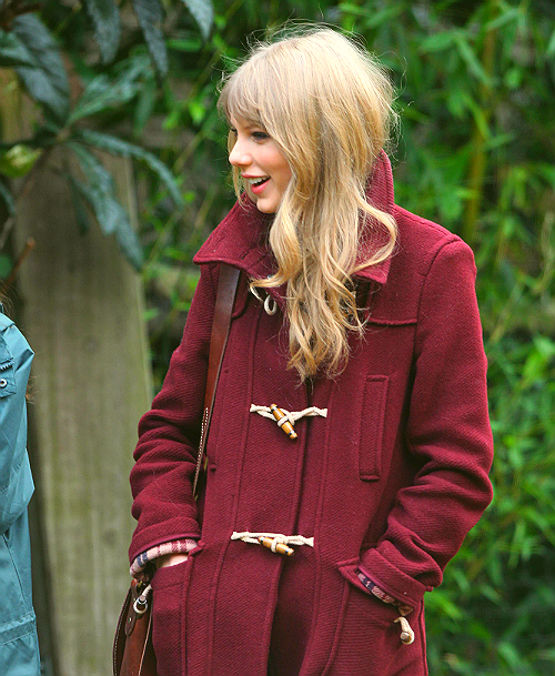coat. taylor swift. loveee the flannel lining.