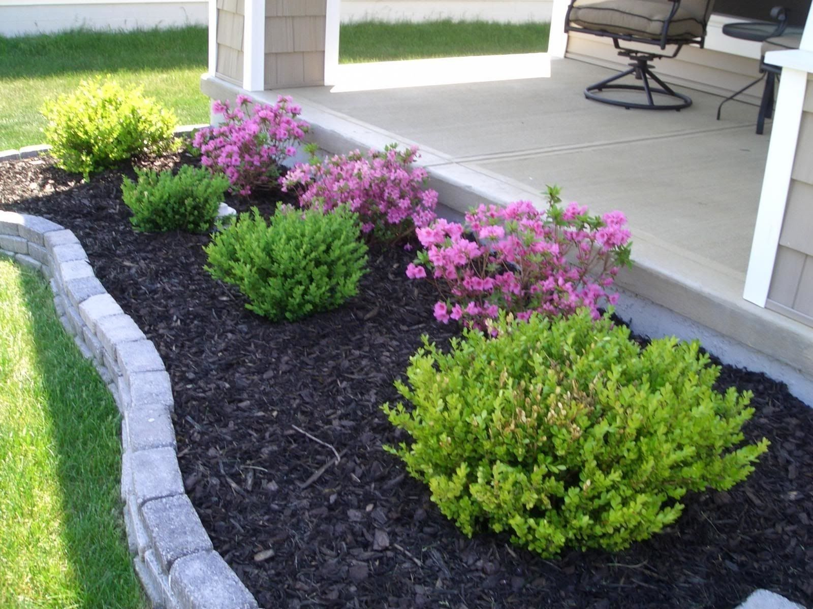 10 Easy To Maintain Garden Ideas Most Of The Incredible And Also Lovely Easy Landscaping Easy Backyard Landscaping Landscaping With Rocks