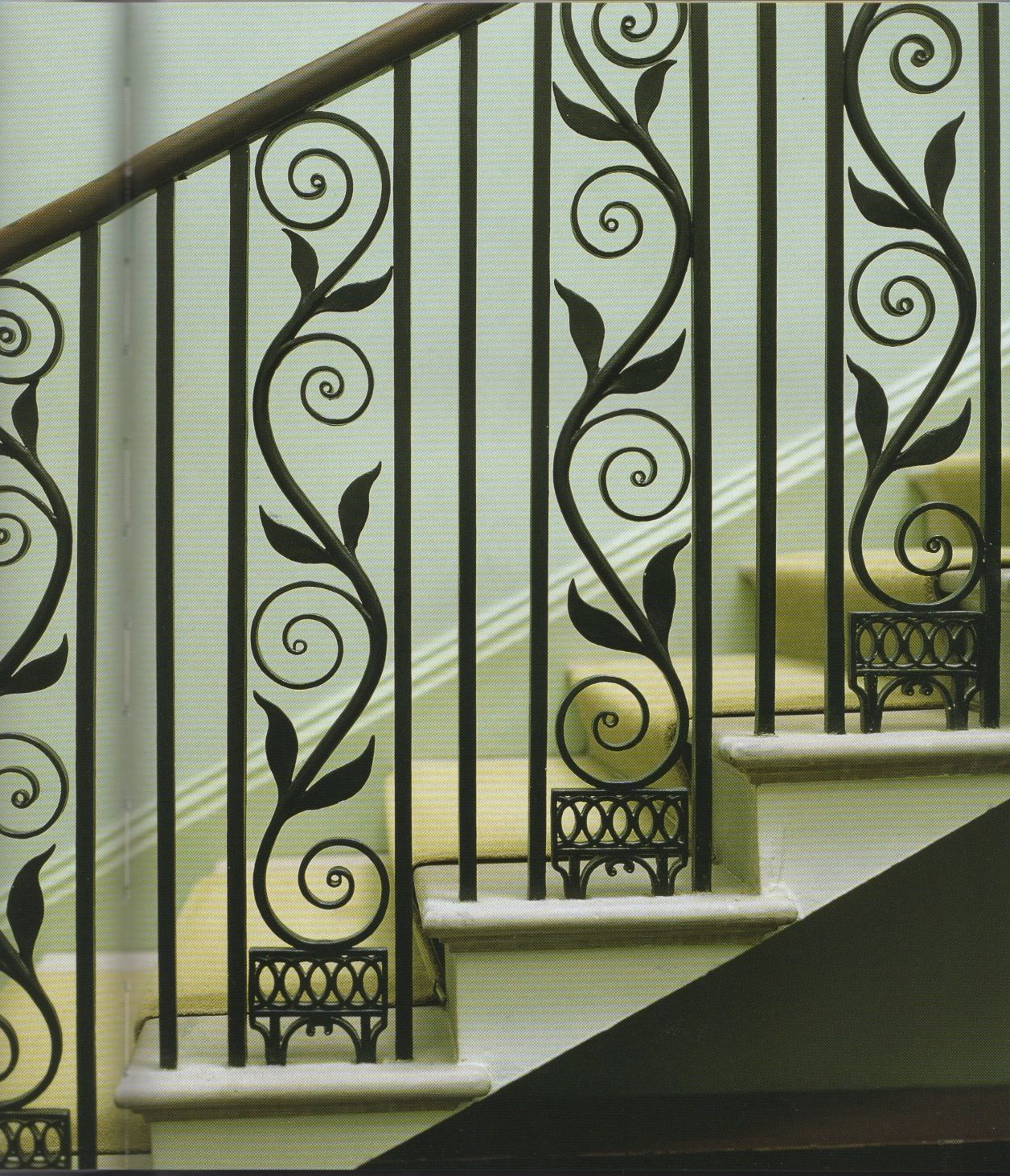 Graceful Curling Ironwork Love This Stair Decor Wrought Iron Staircase Stair Railing Design