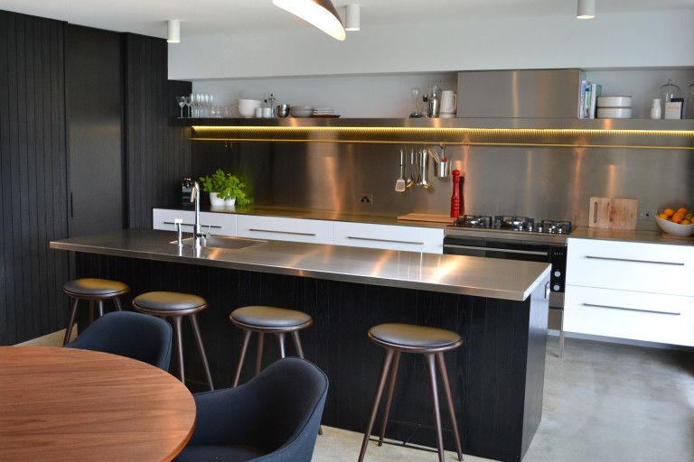 Stainless Steel Island Benchtop And Full Wall Length Splashback With Cleverly Hidden Rang Diy Kitchen Countertops Replacing Kitchen Countertops Kitchen Design
