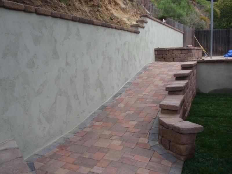 Retaining Wall Cap Blocks Cinder Block Wall Stucco Finish With Country Manor Wall Caps With Country Manor Wall On Concrete Retaining Walls Retaining Wall Patio