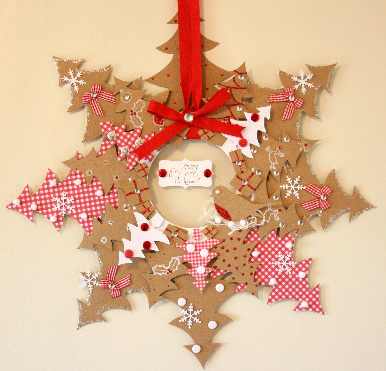 Sapins couronne christmas pinterest snowflake wreath