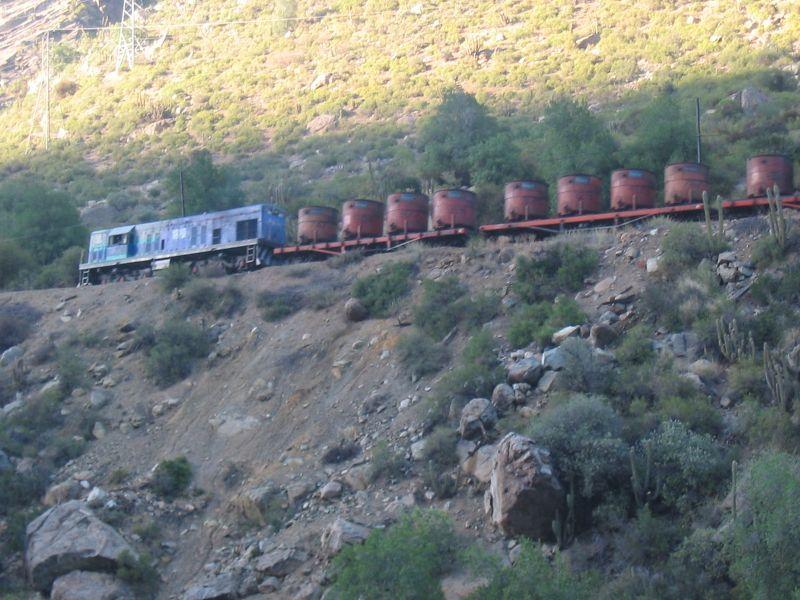 Un tren chileno, subiendo las Cordilleras