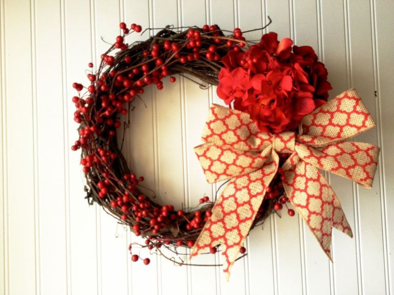 47 Valentines Day Decor Front Door Red Berries Silahsilah Com Red Berry Wreath Valentine Decorations Valentine Wreath