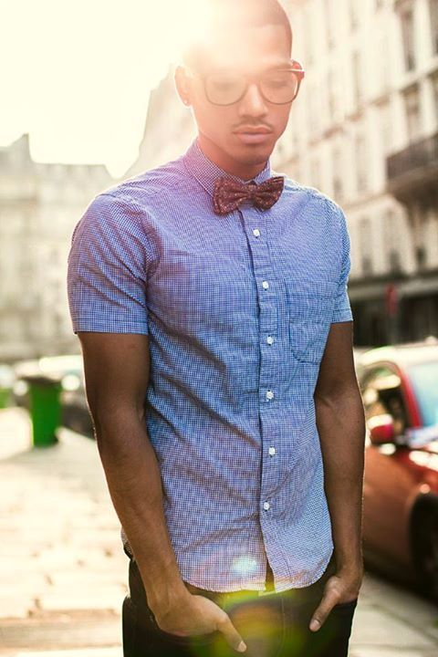 Short sleeve button down with a bow tie.