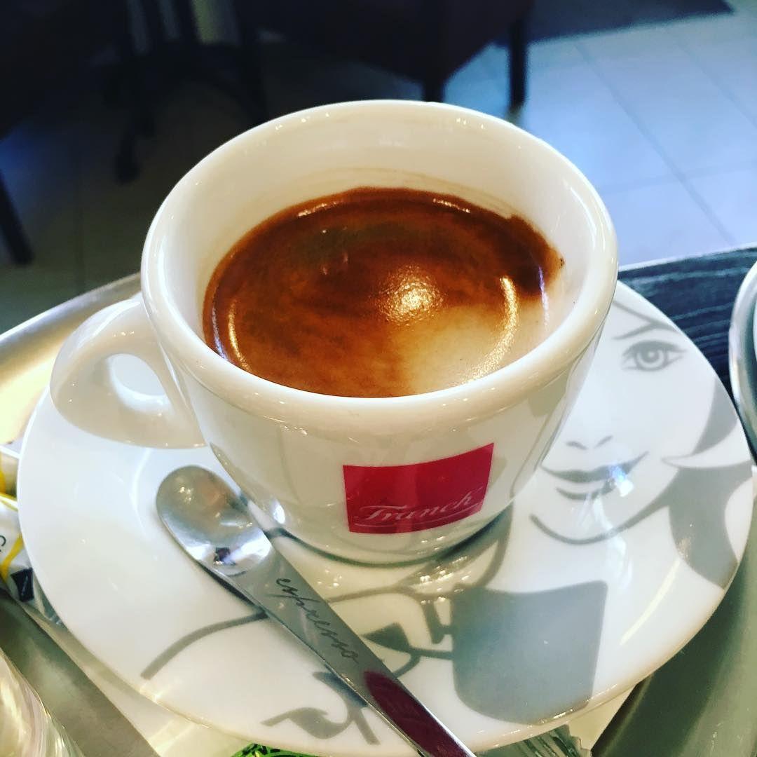 Franck Espresso Superiore Je Zmes Pražených Kávových Zŕn S Nezameniteľnou Chuťou Vy čo Ste Ju Pili Viete O čom Hovorí Instagram Instagram Posts Tableware