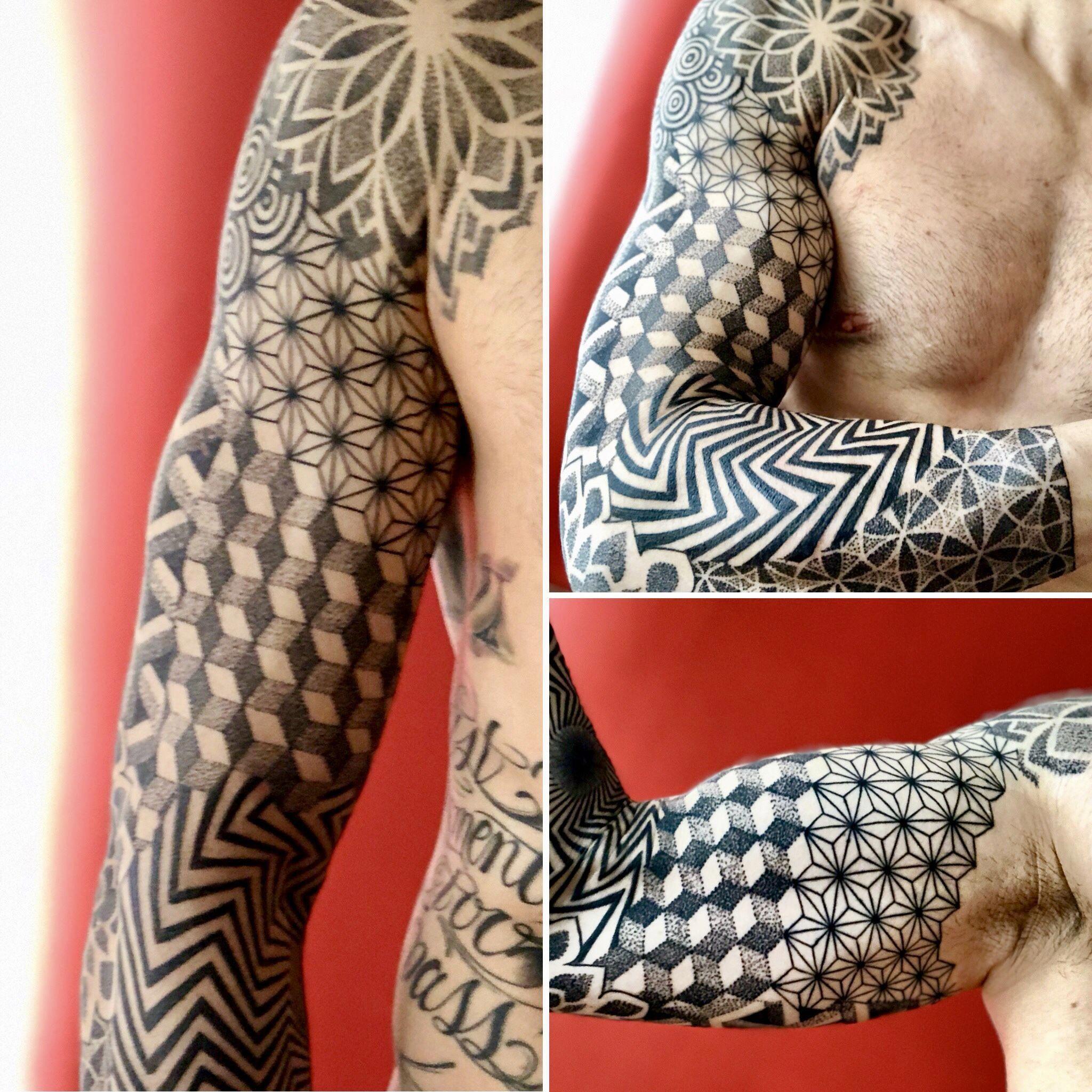 Sleeve Tattoo Dotwork Geometric Arm Pattern Coolgeometrictattos Geometric Sleeve Tattoo Geometric Tattoos Men Geometric Sleeve