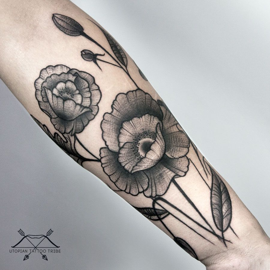 Artist: Caro Falcone #blackwork #blacktattooart #blacktattoo #btattooing #blacktattooing #blxcink #darkartists #blackworkershero #iblackwork #tattoo #tattooed #ink #inked #tattoocollective #tattooaddicts #tattooworkers #tattooartist #skinart_mag #skinartmagtraditional #thebestspaintattooartists #tattoo #tattooed #ink #inked #tattoocollective #tattooaddicts #tattooworkers #tattooartist #bodyart #tattooworld #tattooart #onlyblackart #inkstinctsubmission #tattooartistmagazine