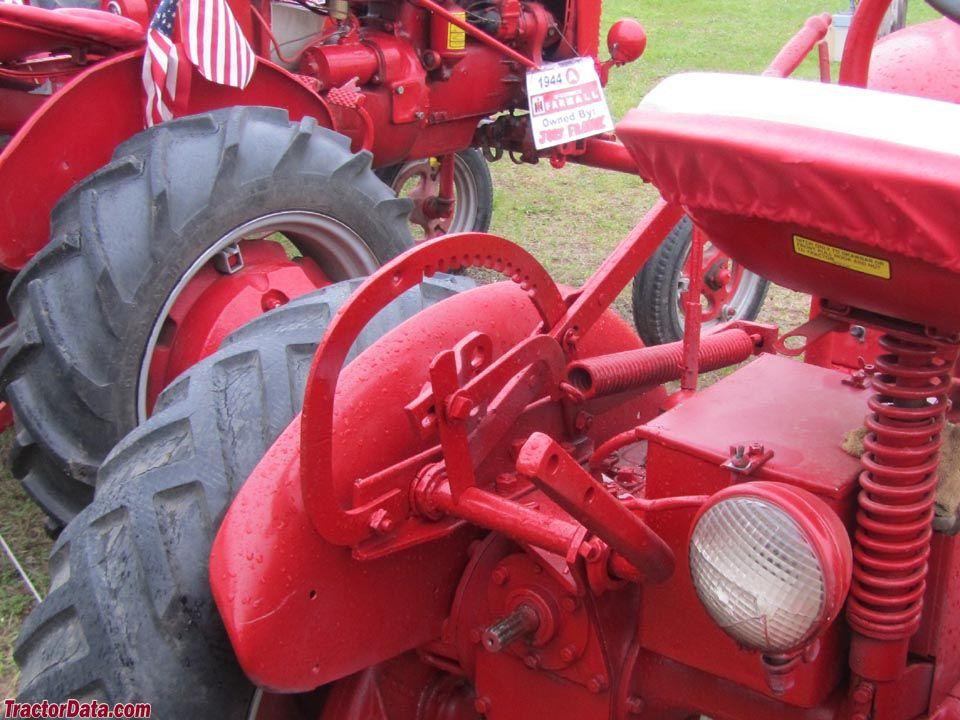 Farmall Cub mechanical lift and PTO  | Cub | Tractor photos