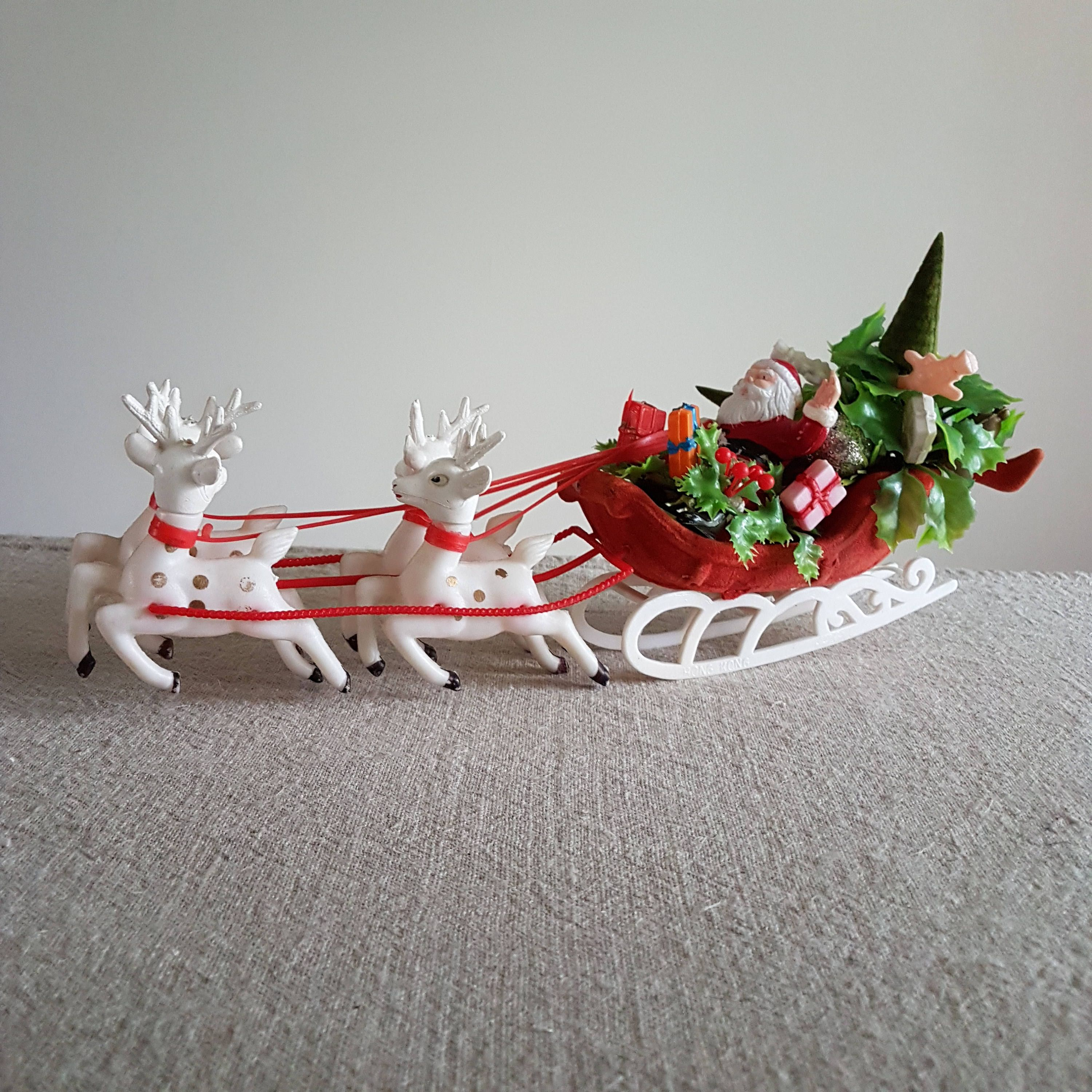 SANTA SLEIGH AND PRESENTS Glass CHRISTMAS Gift@TABLE DECORATION@REINDEER HOLLY
