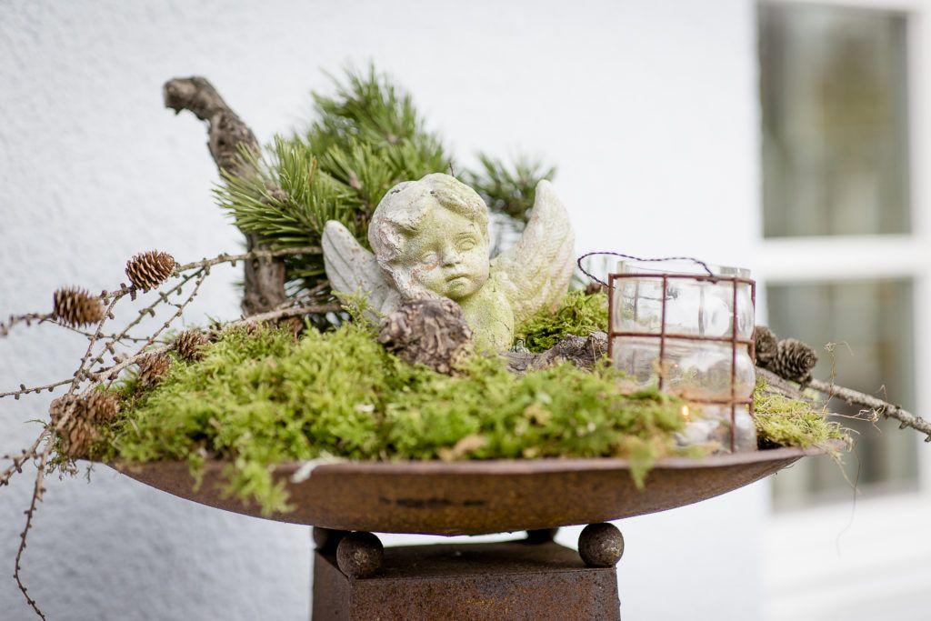 Weihnachtlicher Zauber im Novembergarten • Pomponetti #weihnachtsdekohauseingangaussen