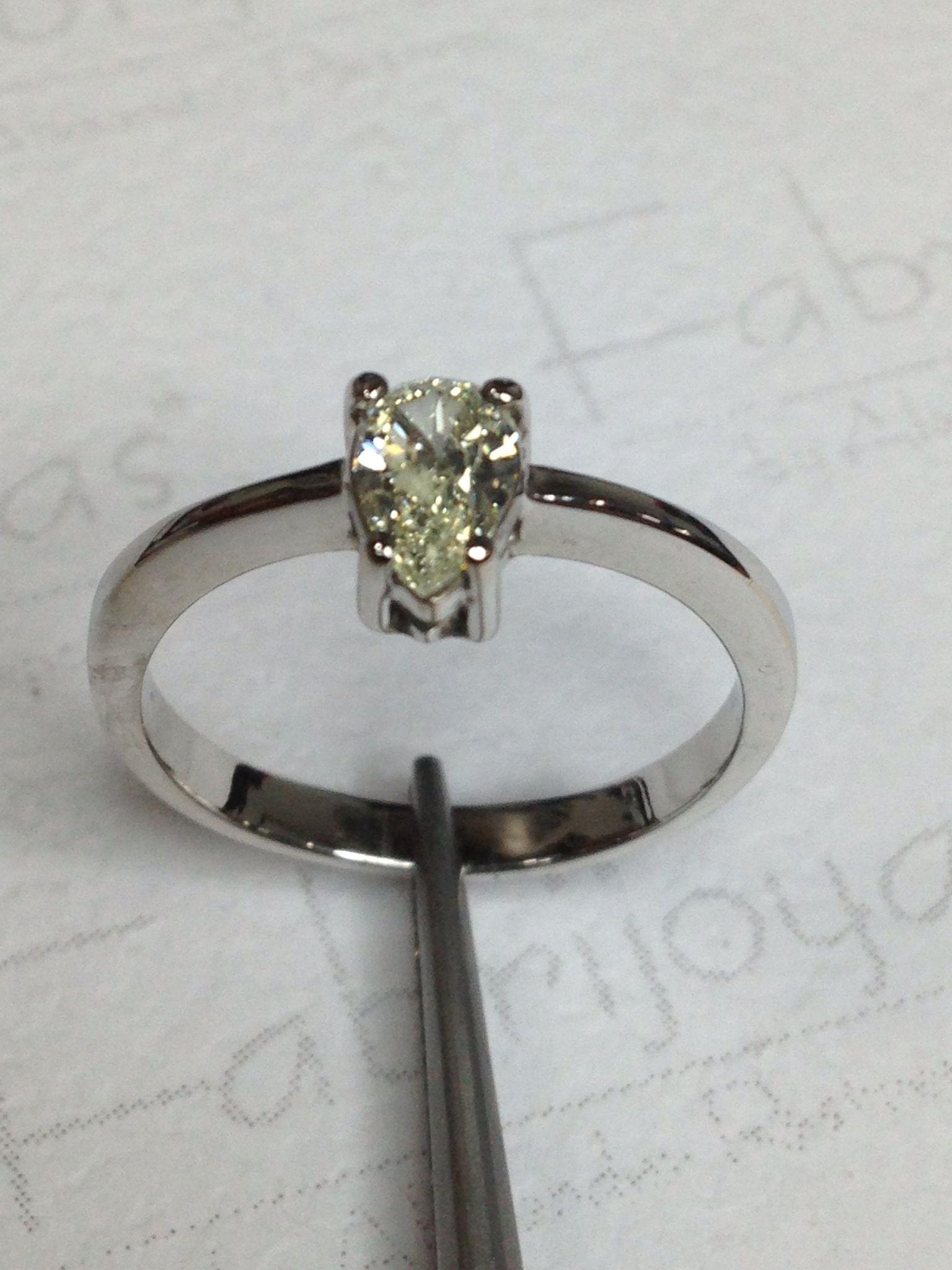 51b50d4573fb Anillo oro blanco con diamante 0.40 ct